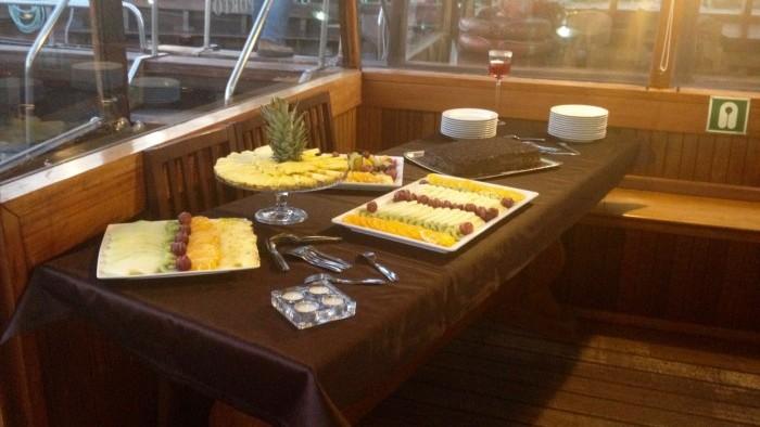 Jantar a bordo, buffet de frutas