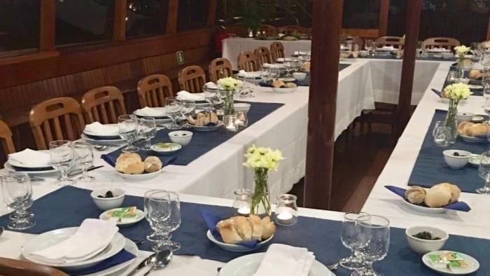 Jantar de aniversário a bordo