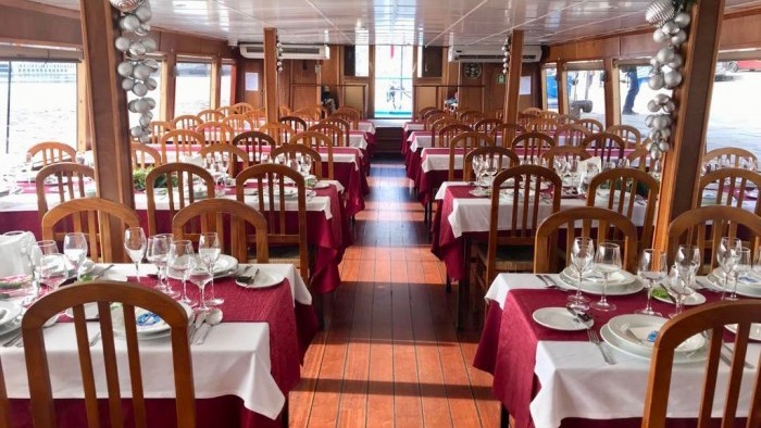 Cruise with lunch on board
