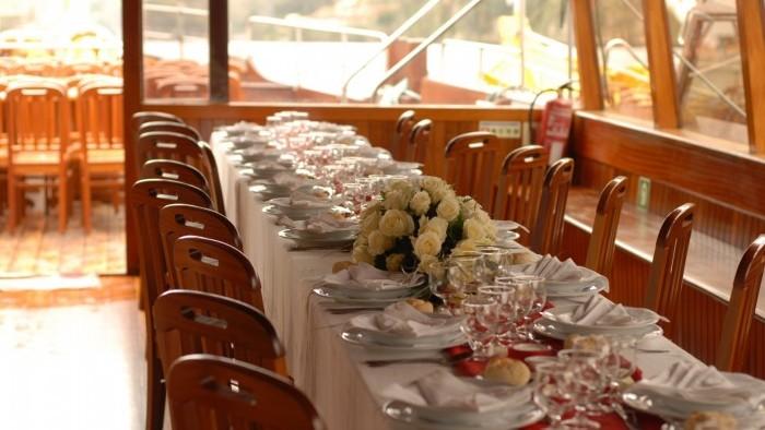 Almoço de casamento a Bordo - Barco Rabelos