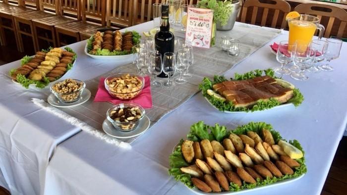Cruzeiro com Jantar a Bordo - Mesa dos aperitivos