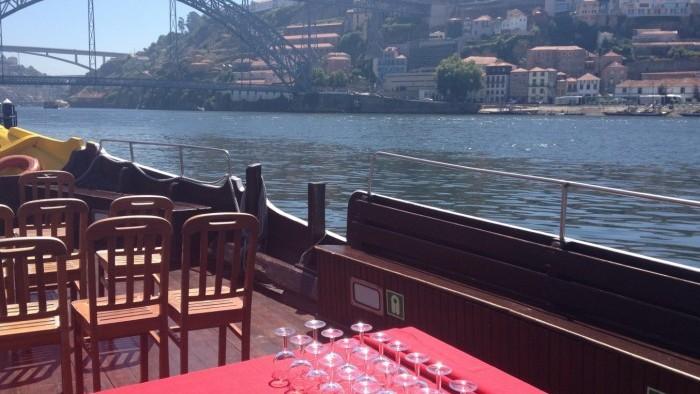Cruzeiro com Almoço a Bordo