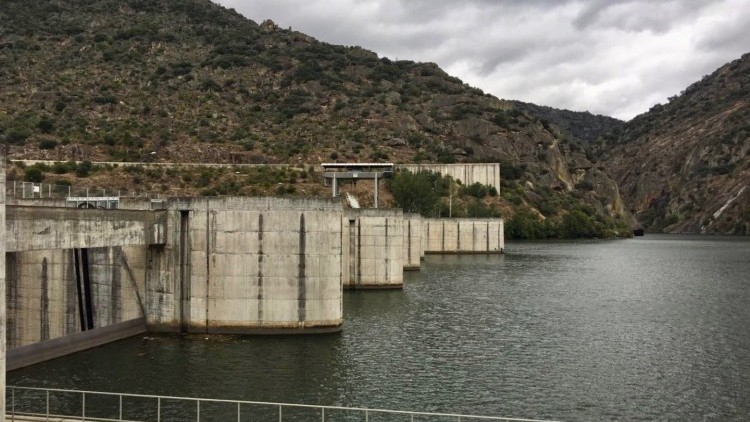 Valeira Dam