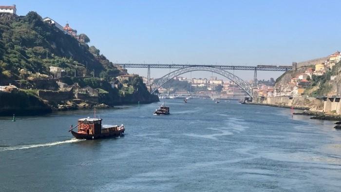 Cruzeiro das Seis Pontes - Porto
