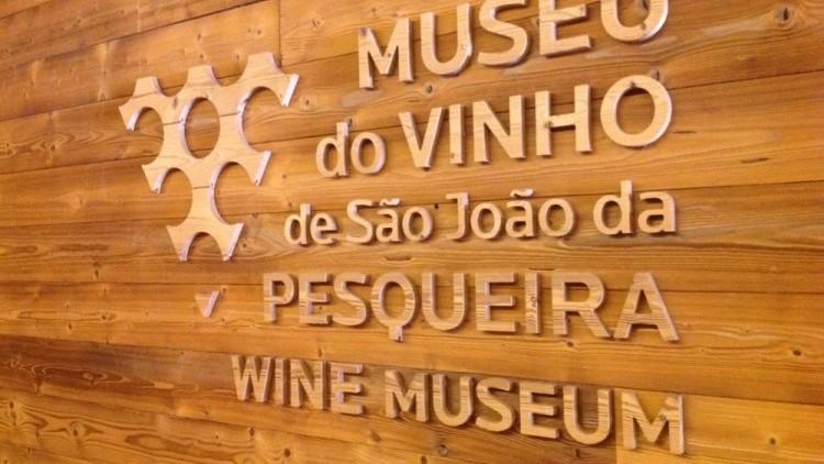 """""""Douro Vinhateiro"""" - Régua São João da Pesqueira Régua"""