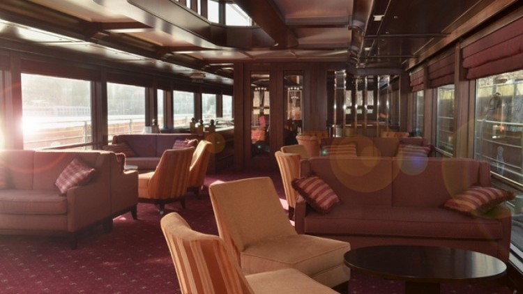 "8 days cruise on board of ""Spirit of Chartwell"""