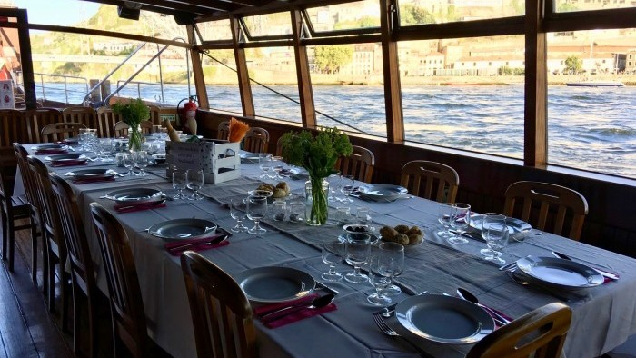 Bachelorette - Cruises with lunch or dinner on board